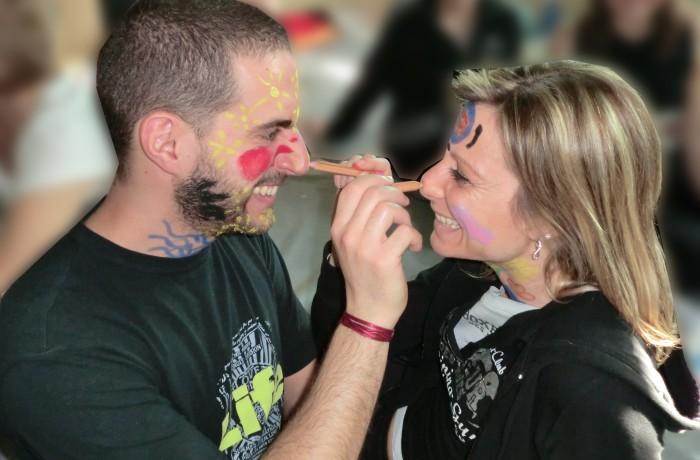 Dipingersi fa sorridere